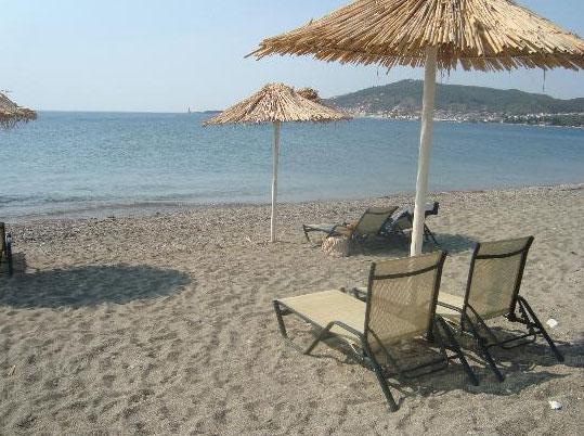 κοντινές παραλίες - σελινίτσα